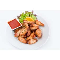 CHICKEN WINGS WITH BBQ SAUSE